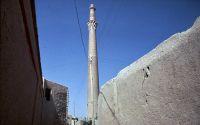 Isfahan_Sareban_Minaret_1