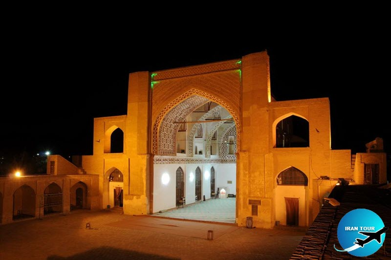 This mosque was built in the year 796 and was repaired in 1086 by Safkosh during the time of Shah Soleiman Safavid.