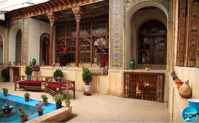 an enjoyable accommodation in old Iranian houses